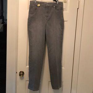 3 for $15🦋🦋 - Gloria Vanderbilt light grey jeans